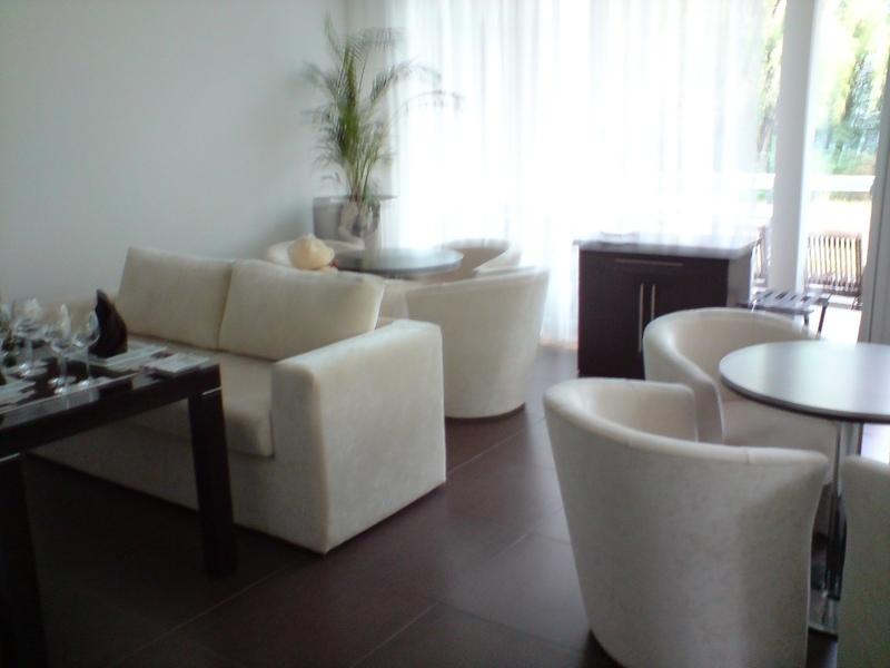 мебелни стенка