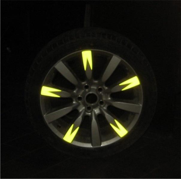 Наклейки на колесные диски мотоцикла (скутера, автомобиля ...