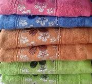 Текстиль в ассортименте - полотенца,  пледы,  постельное белье