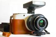 Новый стильный беззеркальный «Samsung NX100» kit 20-50mm (14.6 Mп).