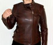 Женская коричневая кожаная куртка