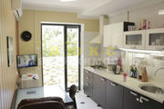Продам трехкомнатную квартиру Вильямса / Люстдорфская дор